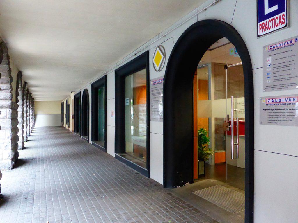 Entrada principal de Autoescuela Zaldivar