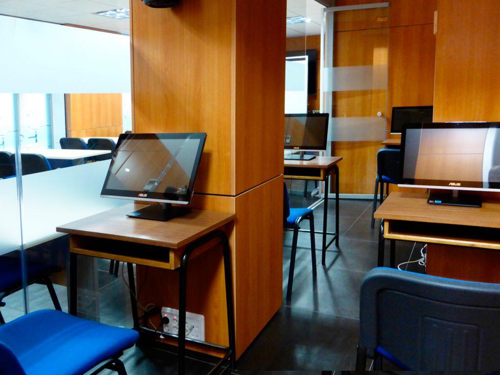 Sala multimedia de Autoescuela Zaldivar